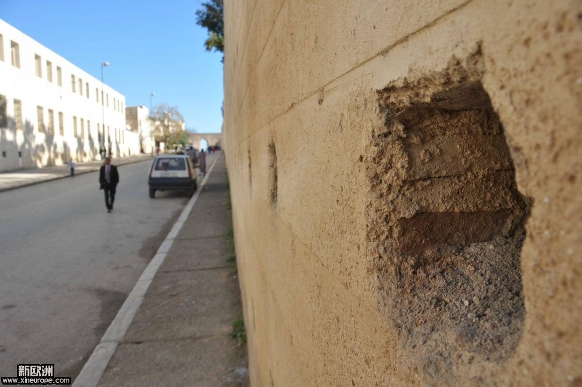 城墙上都有的洞洞.JPG