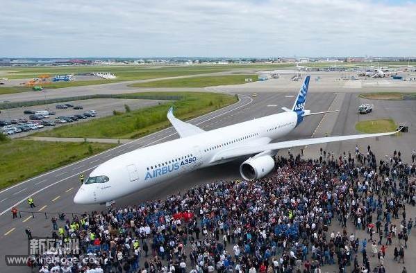 首架空客a350xwb宽体飞机在法国完成喷漆