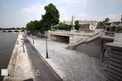 巴黎塞纳河左岸建成全新景观大道高清图片