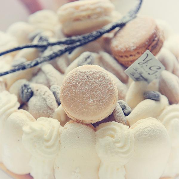 [第二期]我老婆生日的时候,一个学甜点的朋友亲手做的一个法式冰激淋蛋糕,亚克西!.j.jpg