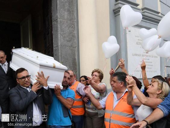 tiziana-cantone-funeral.jpg