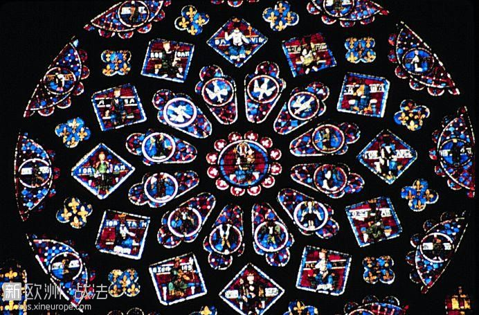 chartres_glass018.jpg