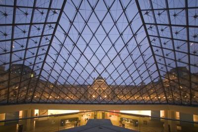 75798-musee-louvre-nuit-usee-du-louvre-paris-tourist-office-photographe-marc-bertrand-.jpg