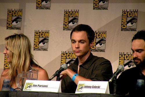 Big-Bang-Theory-Star-Jim-Parsons-Comes-Out-As-Gay-In-A-10-Year-Relationship-01.jpg