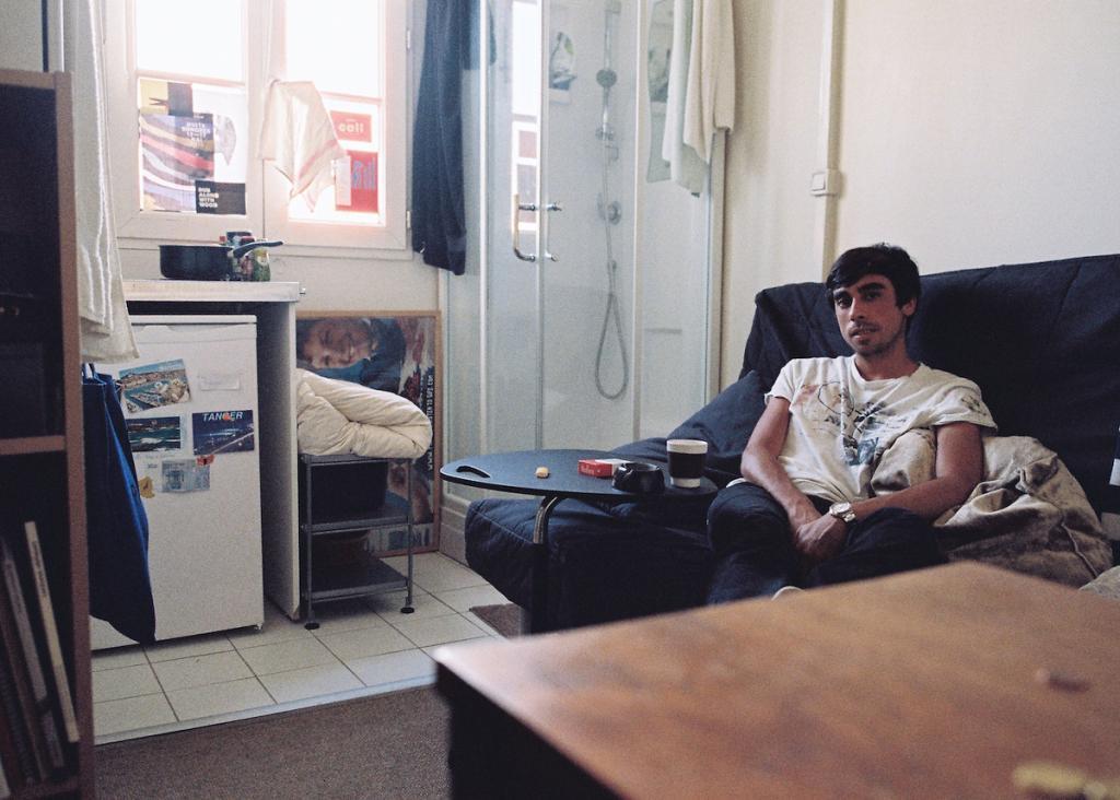 avec-les-habitants-des-chambres-de-bonne-de-paris-912-body-image-1433761502.jpg