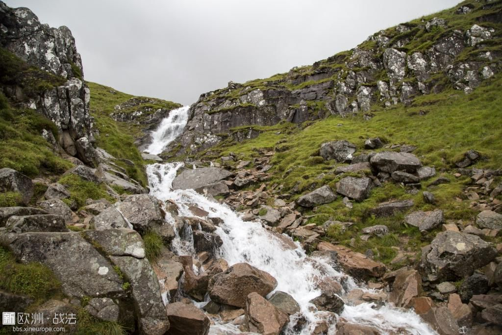 waterfall-ben-nevis-scotland-1471020079SuF.jpg
