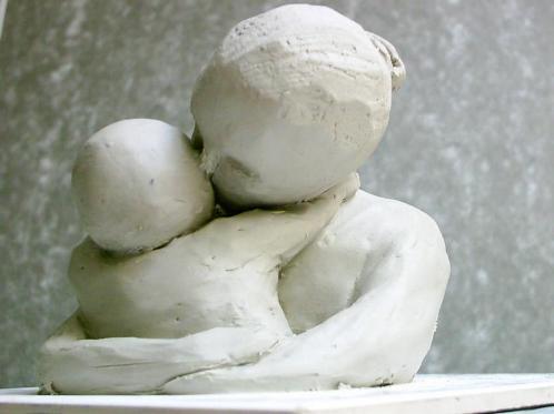 sculpture-mere-et-enfant.jpg