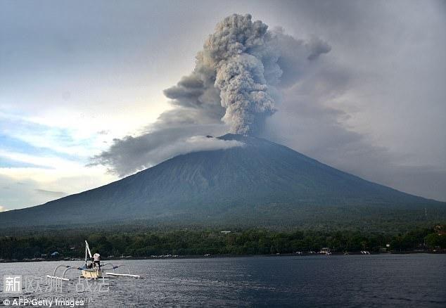 """""""战狼""""真实上演,巴厘岛火山爆发,我国火速派飞机撤."""