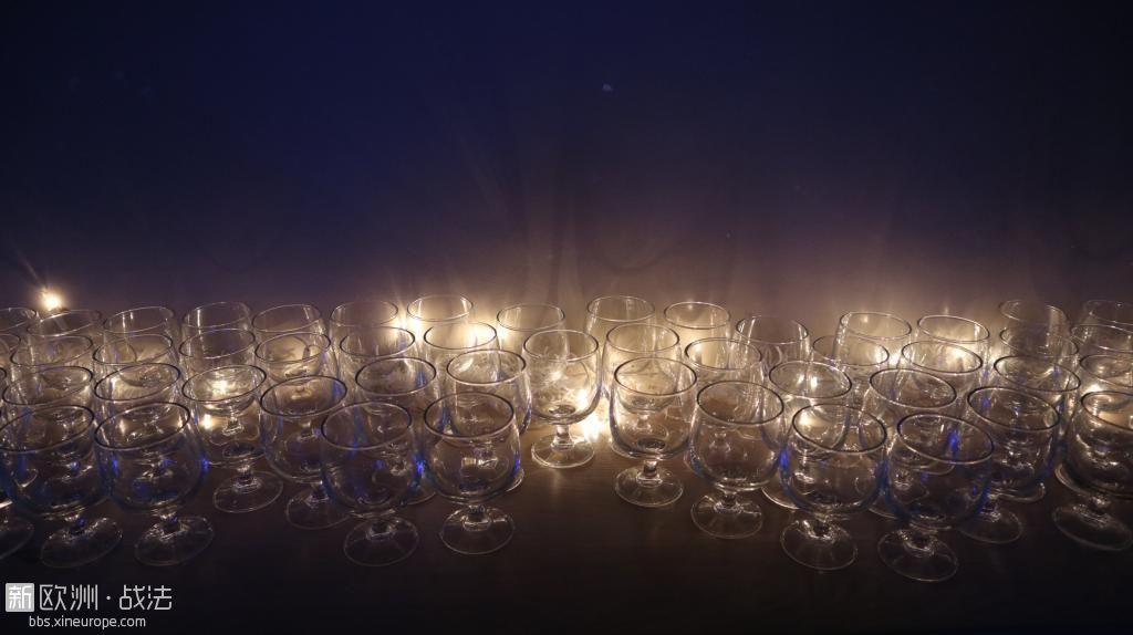 """晚宴的""""水晶杯"""""""