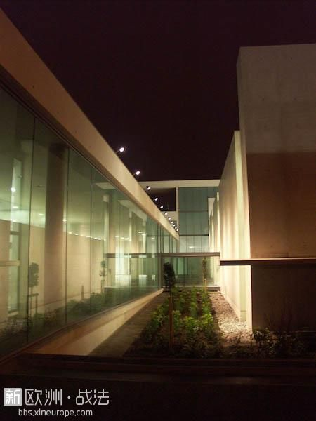 Val-de-Marne-Musee-Mac-Val_Musee_faille-nuit.jpg