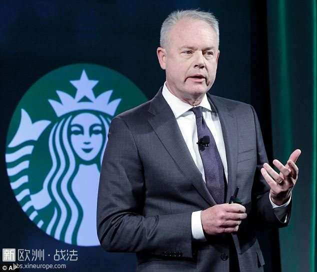 4B39E02100000578-5622711-Starbucks_CEO_Kevin_Johnson_who_is_currently_in_Philade.jpg
