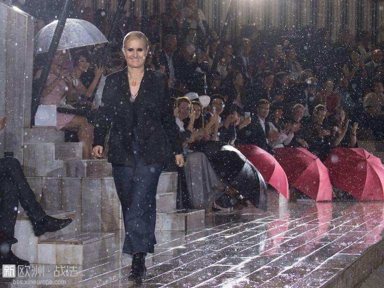 迪奥下雨.jpg