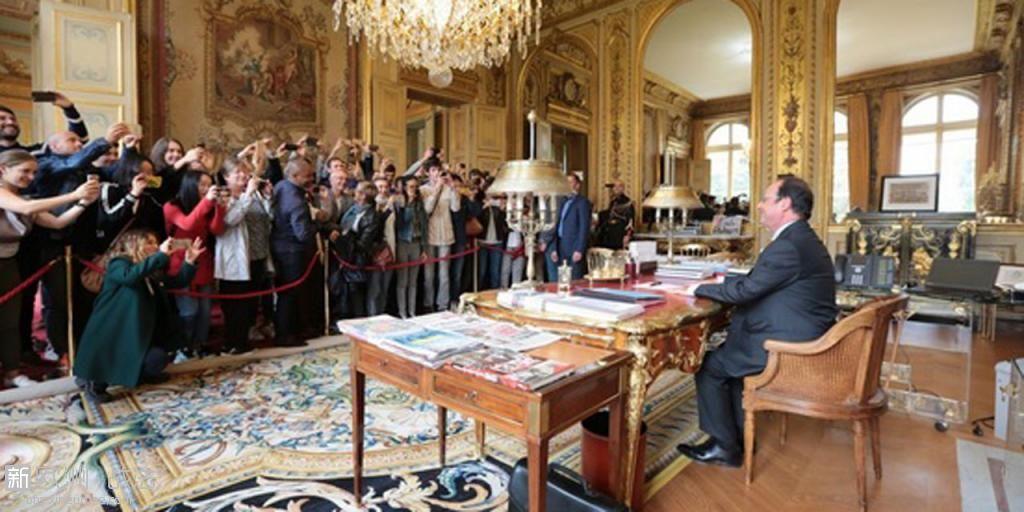 Cette-photo-de-Francois-Hollande-aux-journees-du-patrimoine-moquee-par-la-droite.jpg