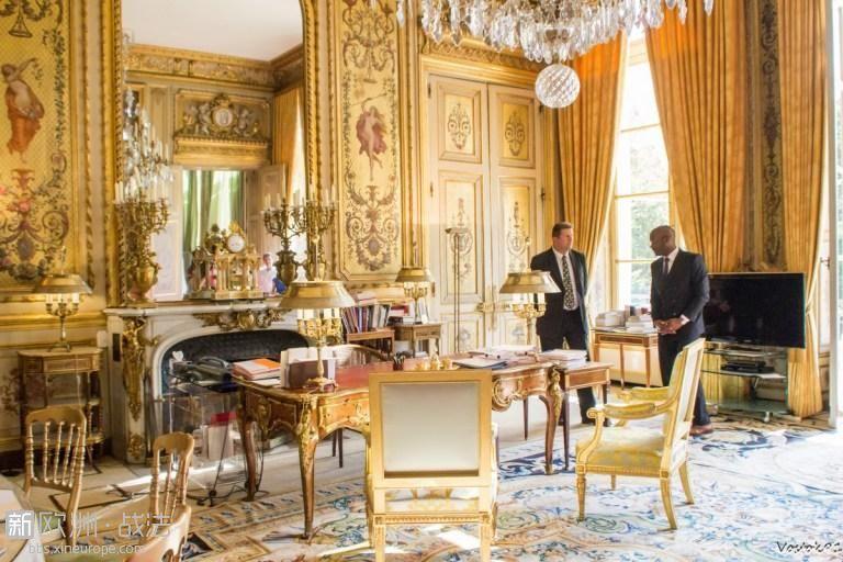 Élysée-Palace-President-Office-2014-©-Remi-Vostok-91-licence-CC-BY-SA-2.0-fro.jpg