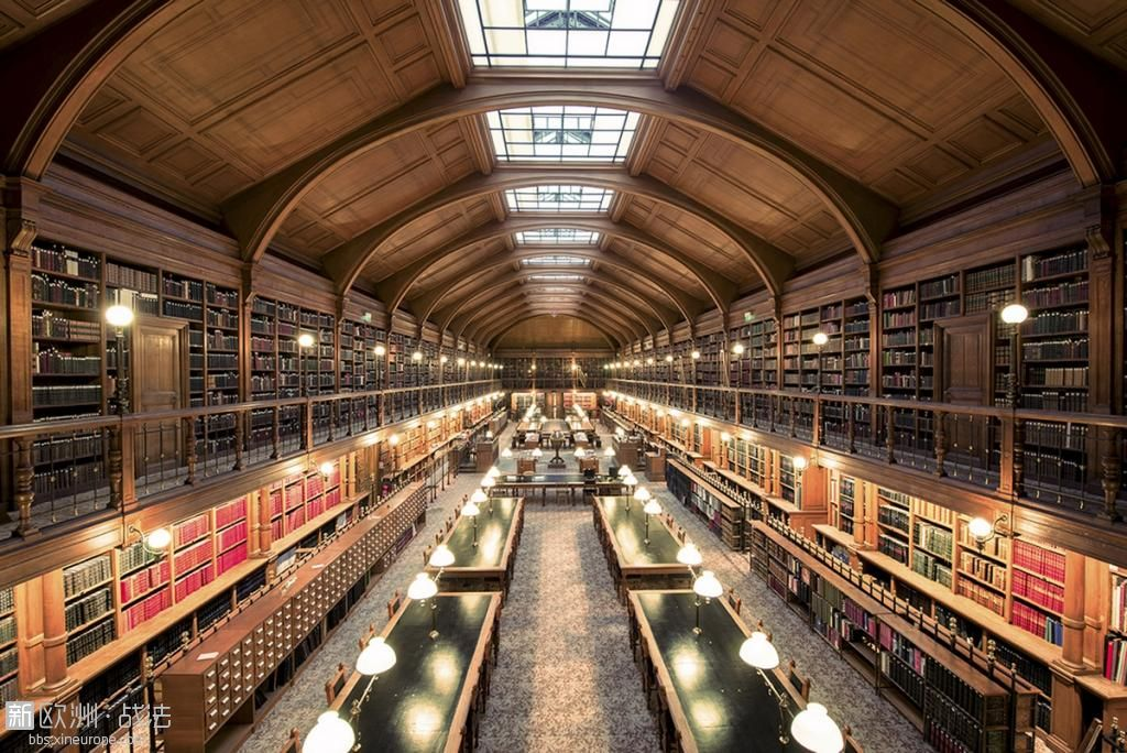 bibliotheque-ou-travailler-gratuitement.jpg