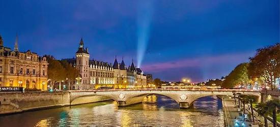 跟着电影夜夜笙歌!最chic的巴黎夜生活灵感都在这里了!