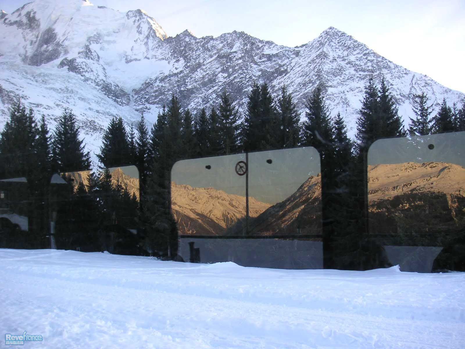 勃朗峰tramway里面拍到的景色