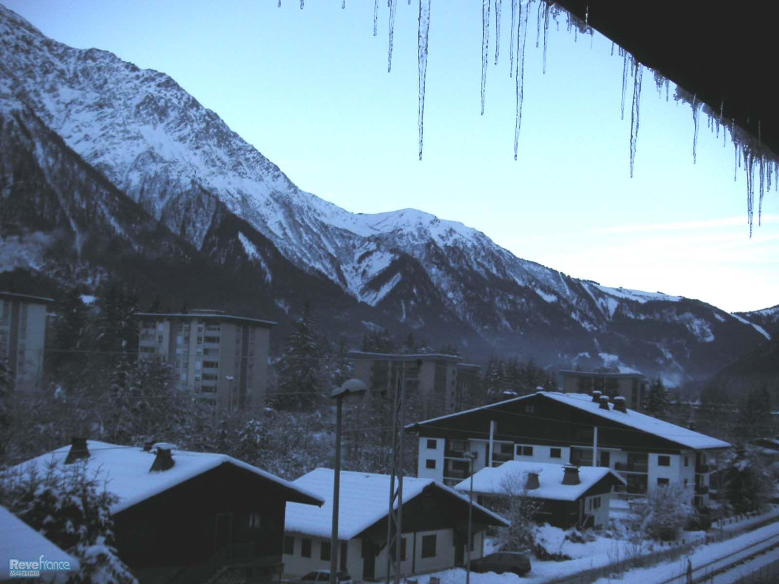 窗外,面向mont blanc