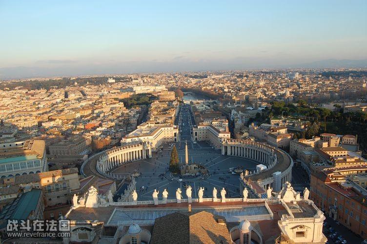 登顶教堂俯瞰梵蒂冈